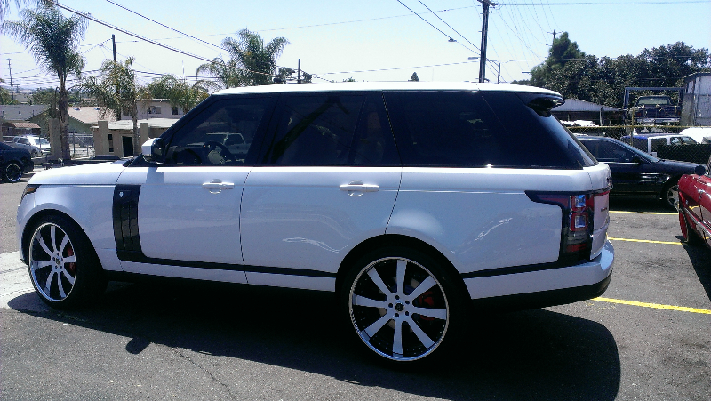 Range Rover with White Wheels