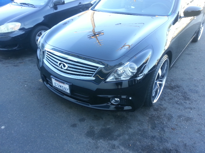 Infinity G37 Front View