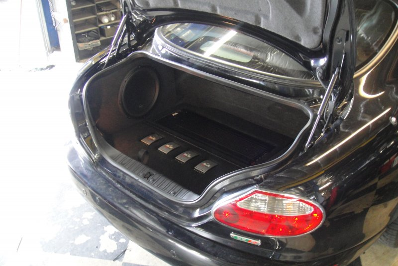 Jaguar XKR Trunk with System
