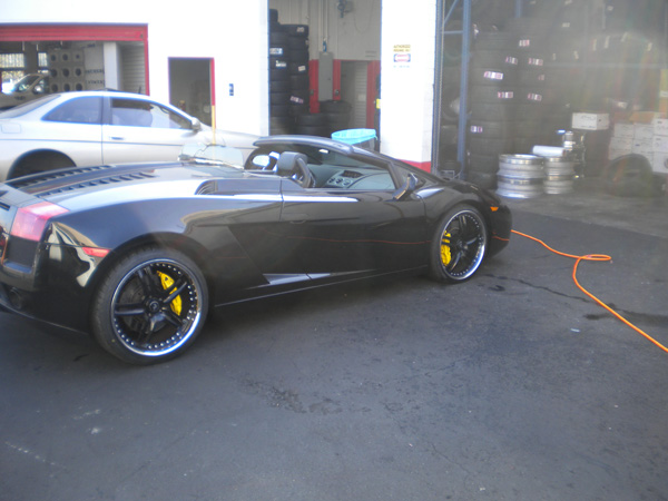 Lamborghini Gallardo Side View