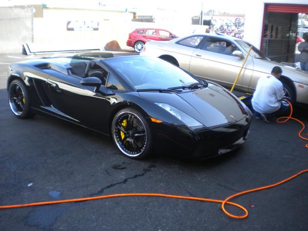 Lamborghini Gallardo Side Front View