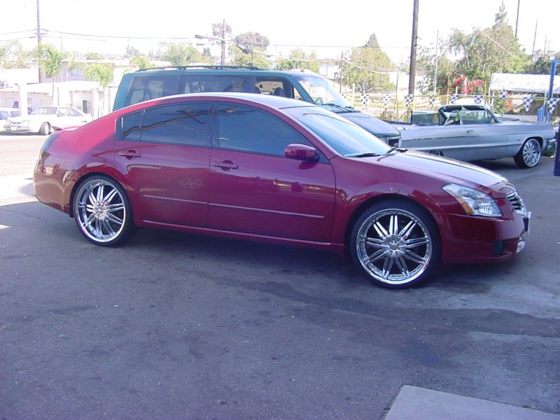 Maxima with chrome F5 wheels