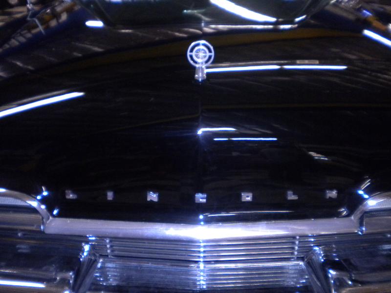 Lincoln Premier Grille