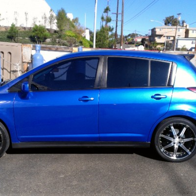 Nissan Versa with Custom Wheels