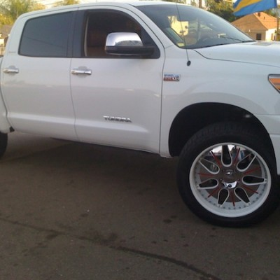 White Tundra White Wheels