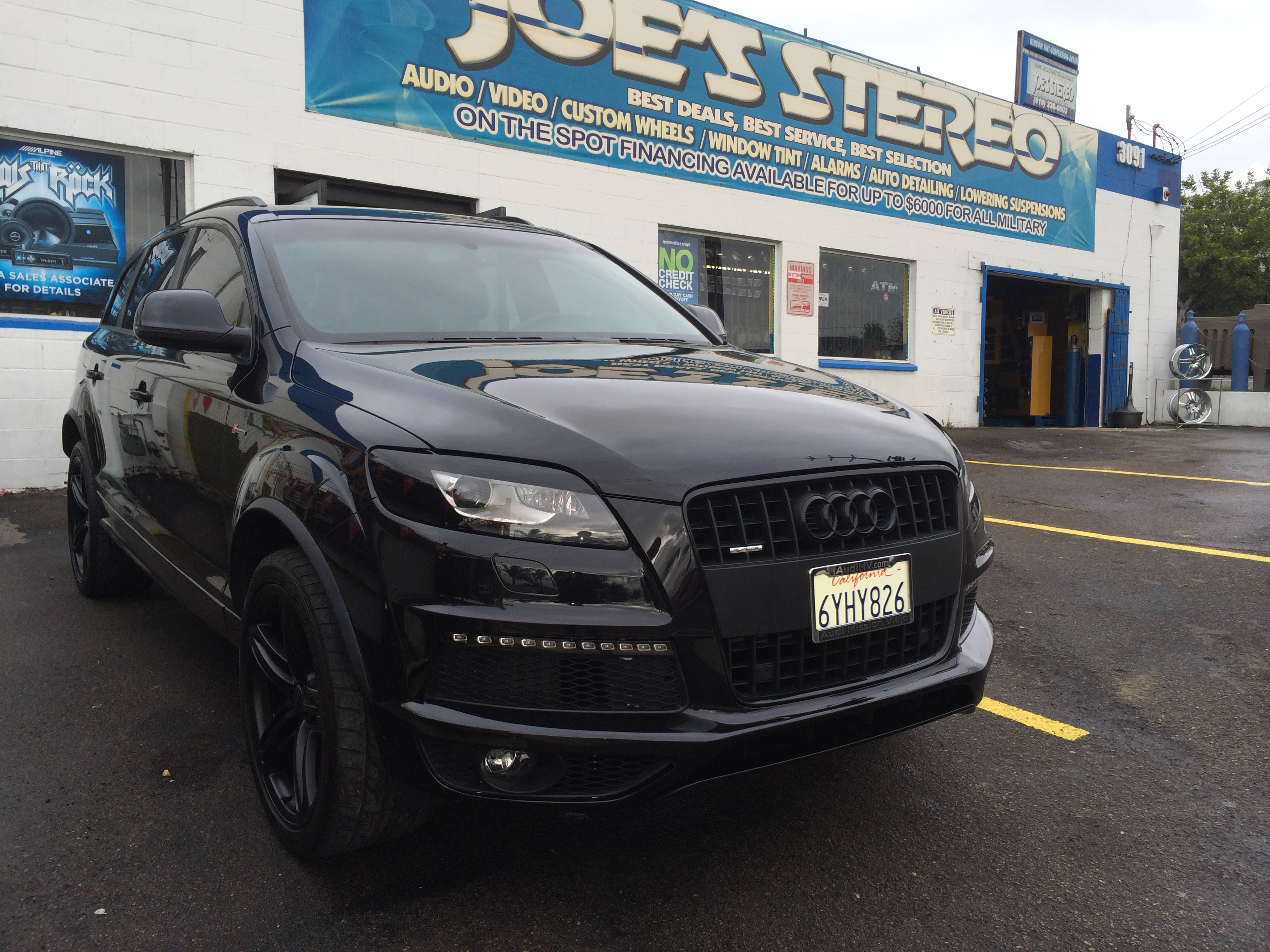Audi Q7 blacked out | Joe's Stereo