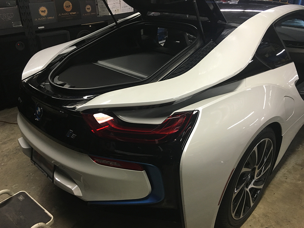 Rear view of BMW i8